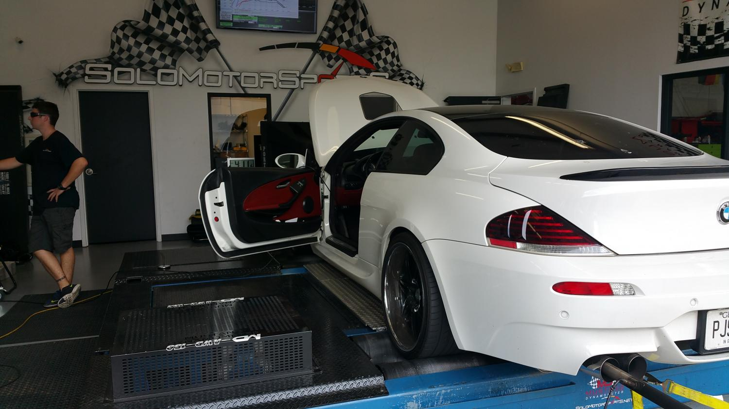 BMW M6  CUSTOM TUNING
