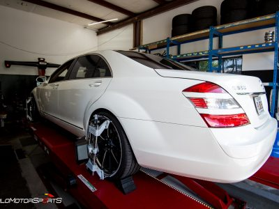 Mercedes-Benz S550 in for Alignment