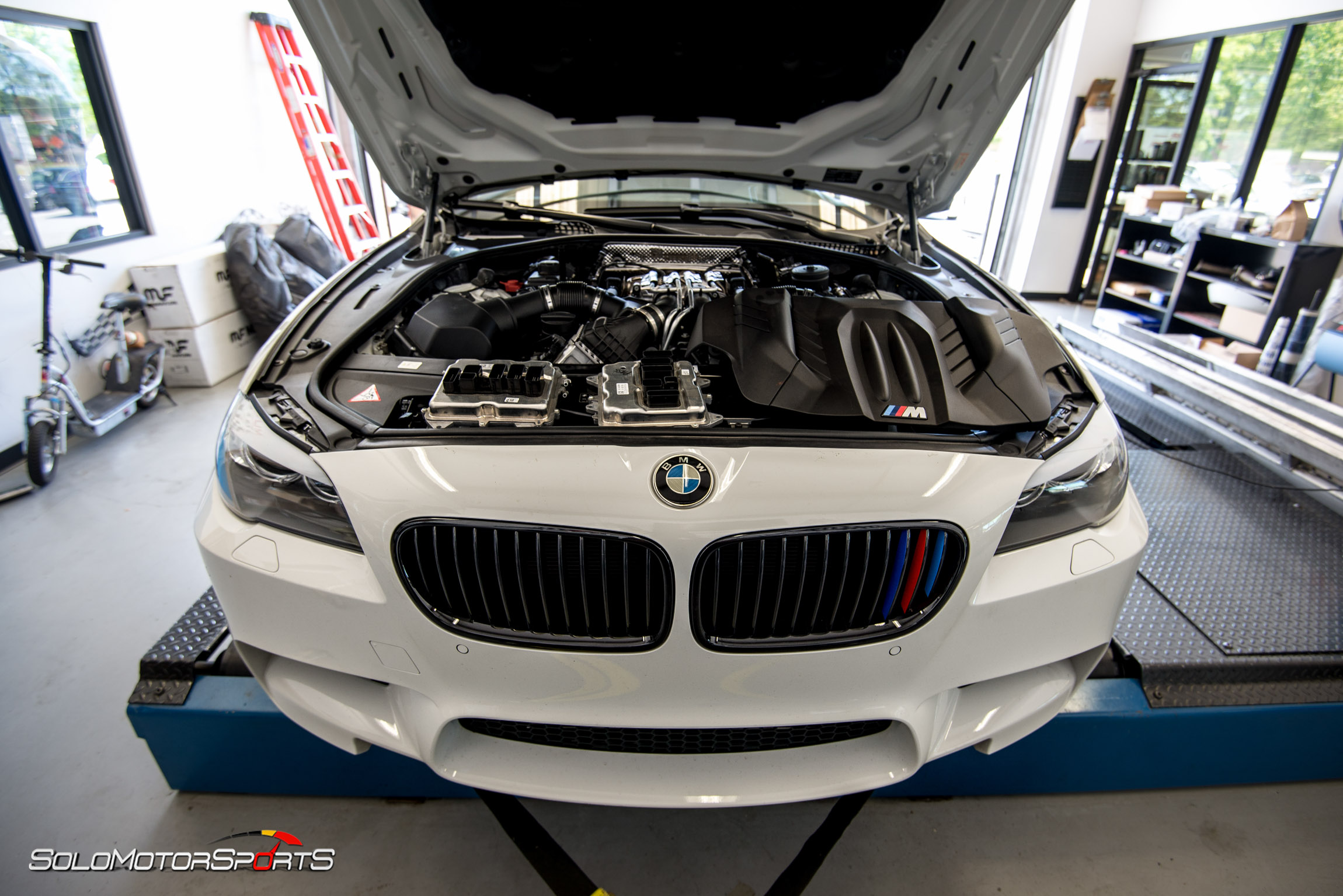 bmw m5 f10 downpipe installation and custom tune solo motorsports tuning